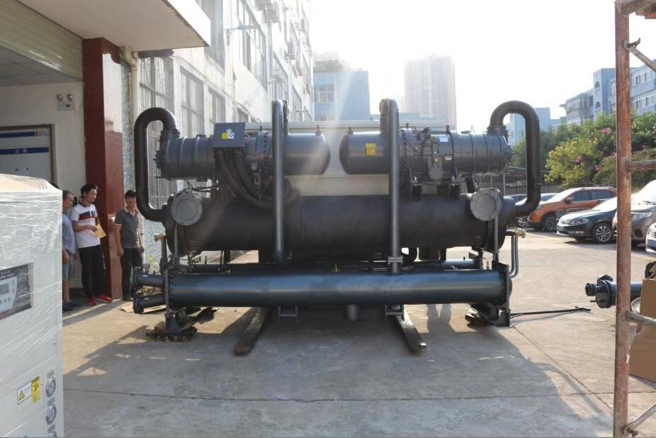 螺杆式冷冻机的重要组成部件